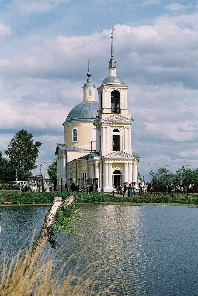 Свято-никольский скит в селе автодеево, известен своим храмом